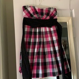 Checkered strapless dress with bow and tie back